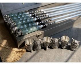 Шампура с Мраморными ручками  в  кейсе из бука.Шампура +нож+вилка +чарки