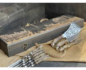 Шампура Трофей в расписном кейсе из бука.Шампура +нож+вилка +секач