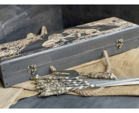 Шампура Трофей в расписном кейсе из бука. Шампура +вилка